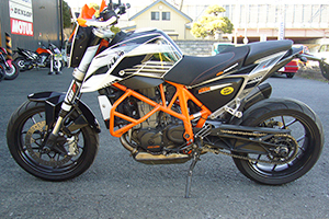 KTM 690DUKE KENZ Street Fighter